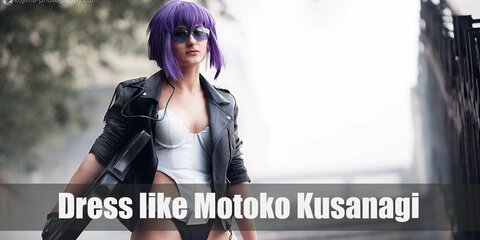 One very simple costume of Motoko Kusanagi that is easy to replicate yourself is her white one-piece suit with the black leather jacket